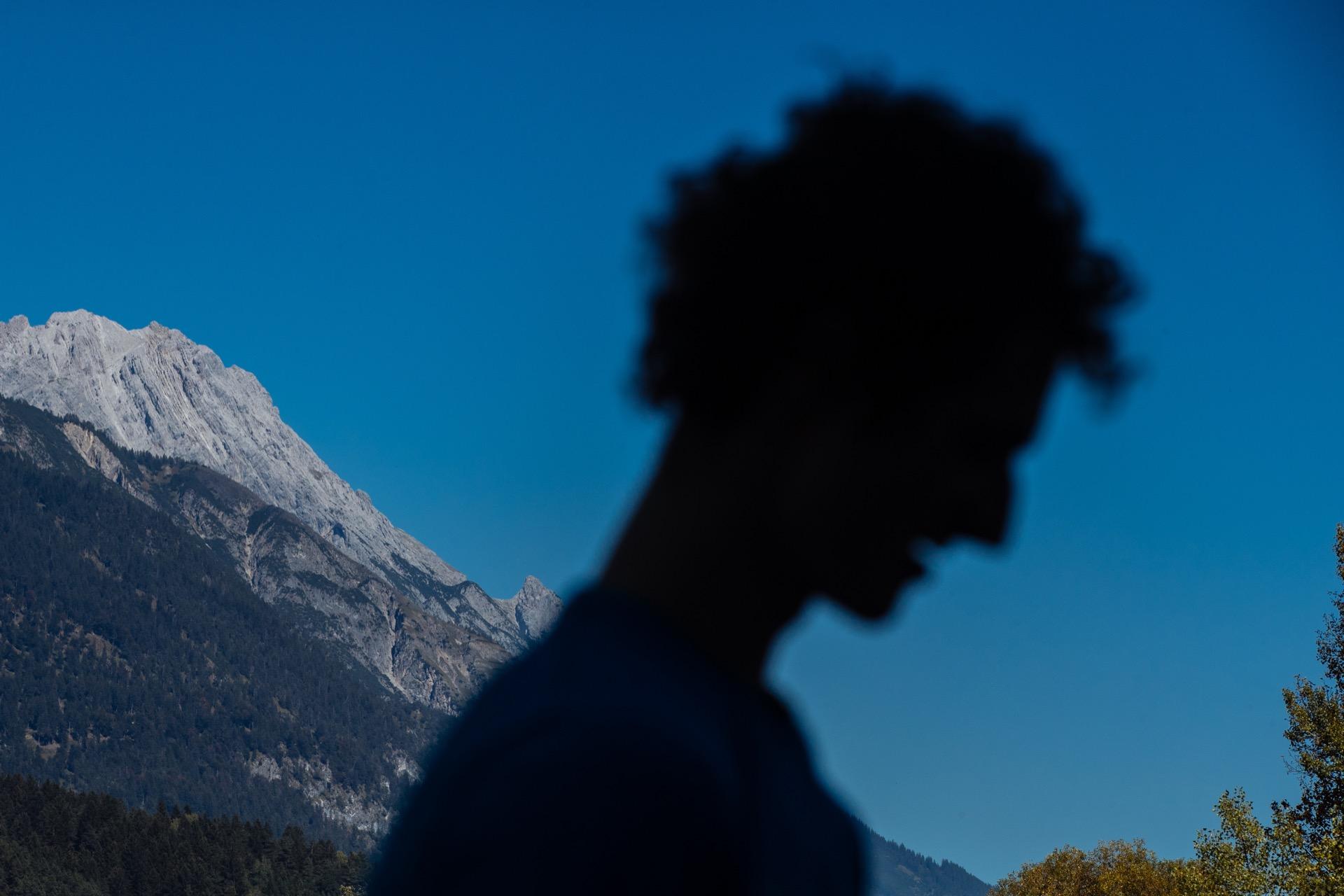 Adam Ondra na fotce Lukáše Bíby
