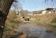 až na ostroh pod čističkou, kde se nacházejí slavné Viktoriiny vodopády