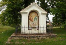 nosálovská výklenková kaple (trochu netypicky oboustranná)