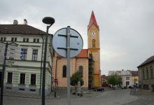 pseudorománský kostel sv. Martina na náměstí
